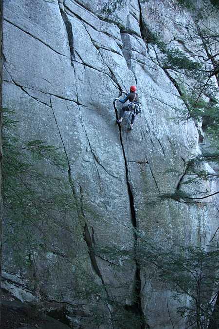 Lay back crack climbing techniques
