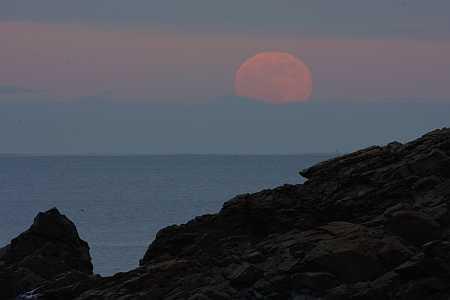 nahant moon